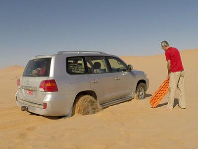 anderes auto aus sand befreien